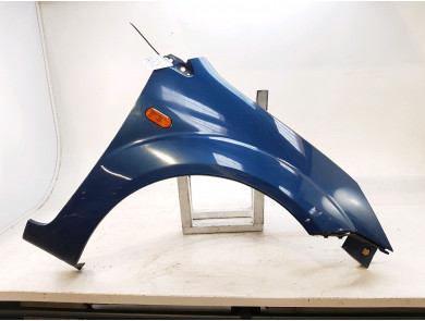 Right front fender 1528047