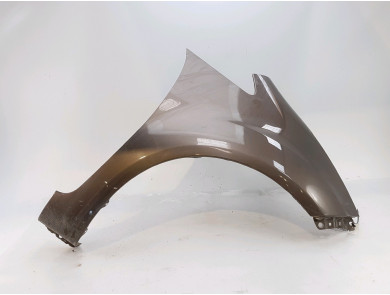 Right front fender 663211P001